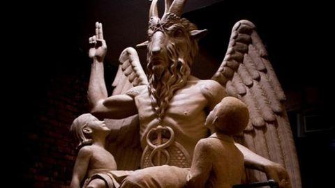 Aksi Sadis Dan Nekat Para Pemuja Setan