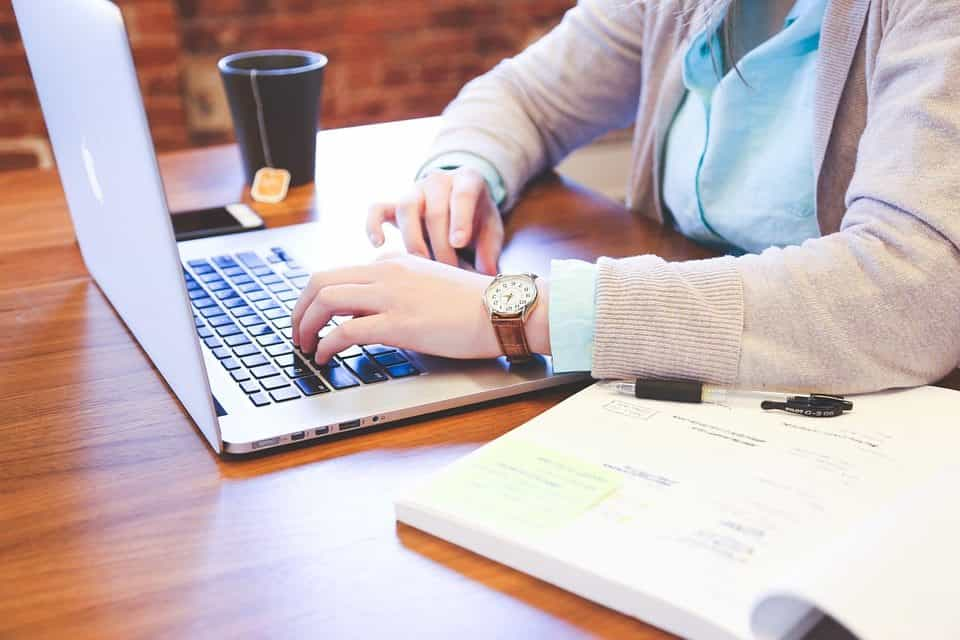 Manfaat Dalam Merekrut Penulis Profesional Dalam Bisnis